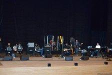 """Stiven Siqal: """"Azərbaycan musiqi alətlərində ifa etməyi çox istərdim"""" (MÜSAHİBƏ) (FOTO+VİDEO) - Gallery Thumbnail"""