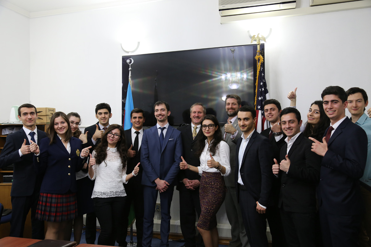 US envoy meets winners of the Azerbaijan Business Case Competition - Gallery Image