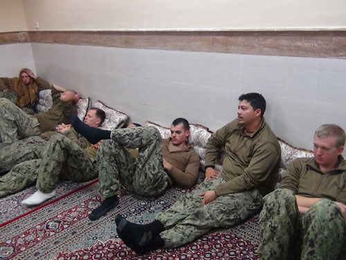 Iran frees arrested US sailors, releases their photos - Gallery Image