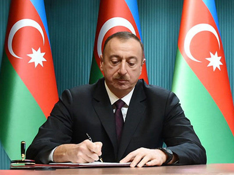 Ilham Aliyev orders to investigate Caspian oil platform collapse (UPDATE)