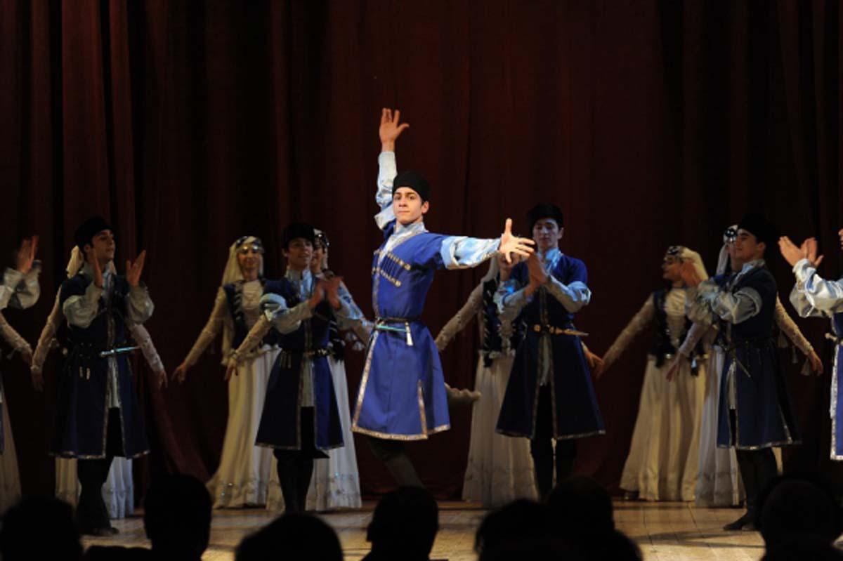 """""""Голос молодежи"""" в азербайджанских танцах (ФОТО) - Gallery Image"""