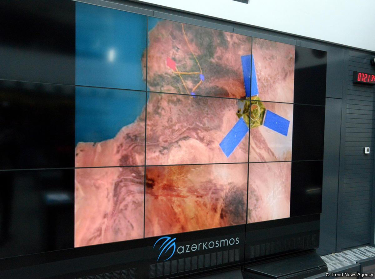Azerbayan Uydu Operasyon Merkezi kapılarını gazetecilere açtı (Fotoğraf, Görüntü) - Gallery Image