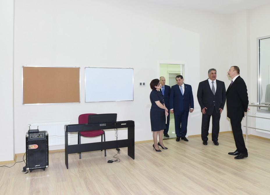 Президент Ильхам Алиев принял участие в церемонии открытия Дома молодежи в Говларе (ФОТО) - Gallery Image