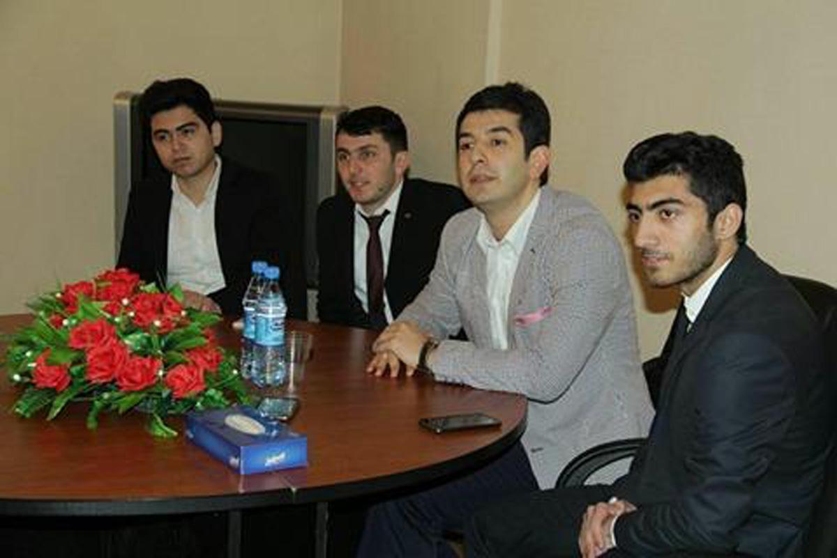Телеведущий Салех Багиров провел интересный семинар для студентов (ФОТО) - Gallery Image