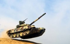 Azerbaycan Silahlı Kuvvetleri tank timlerinin yarışı düzenleniyor (Görüntü) - Gallery Thumbnail