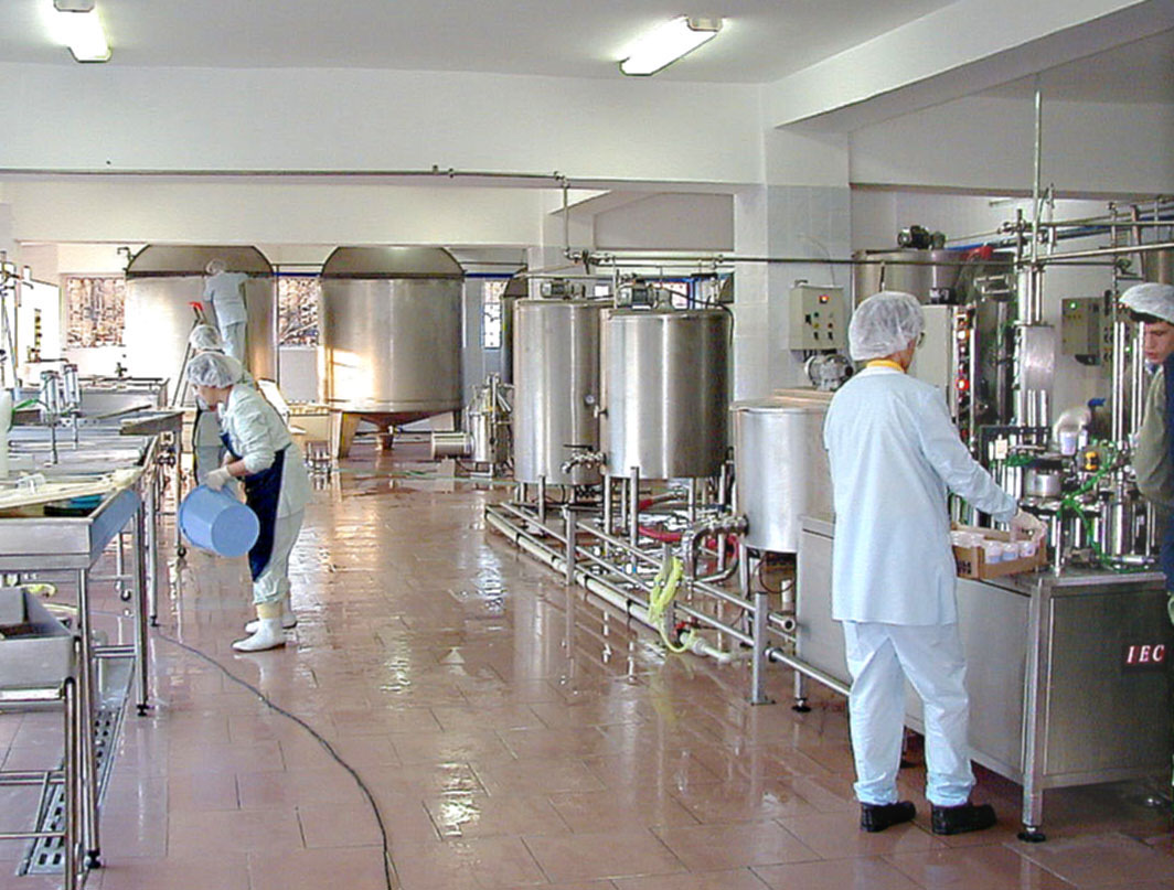 Producers in Azerbaijan to recall harmful food products
