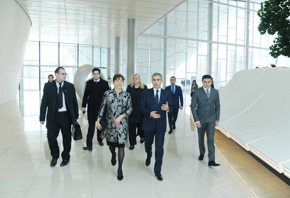 Hungarian PM's spouse visits Heydar Aliyev Center - Gallery Image