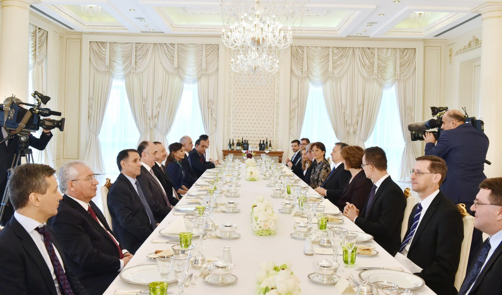 President Aliyev hosts dinner reception in honor of Hungarian PM