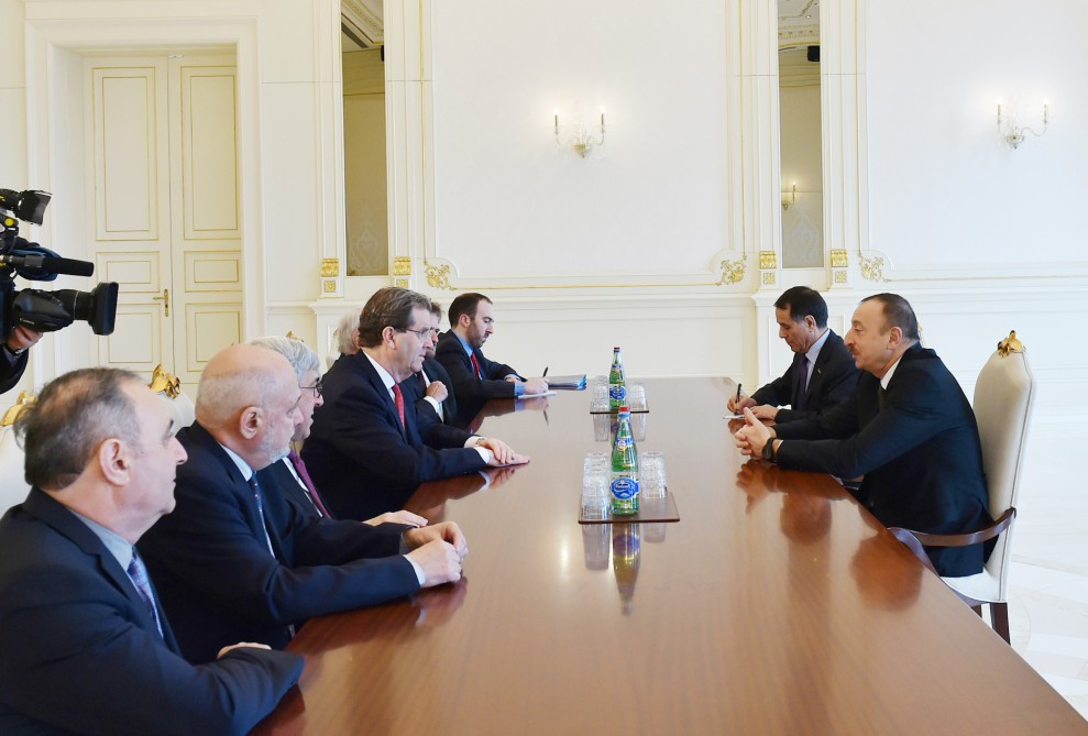 President Ilham Aliyev receives a delegation led by Executive Director of American Jewish Committee