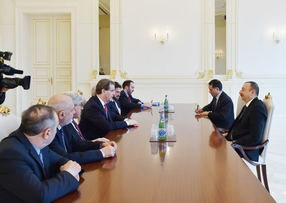 President Ilham Aliyev receives a delegation led by Executive Director of American Jewish Committee - Gallery Image