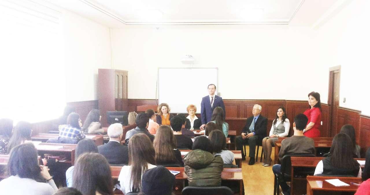 Prof. Dr. Aysel Aziz Azerbaycanlı gazeteci adayları ile bir araya geldi - Gallery Image