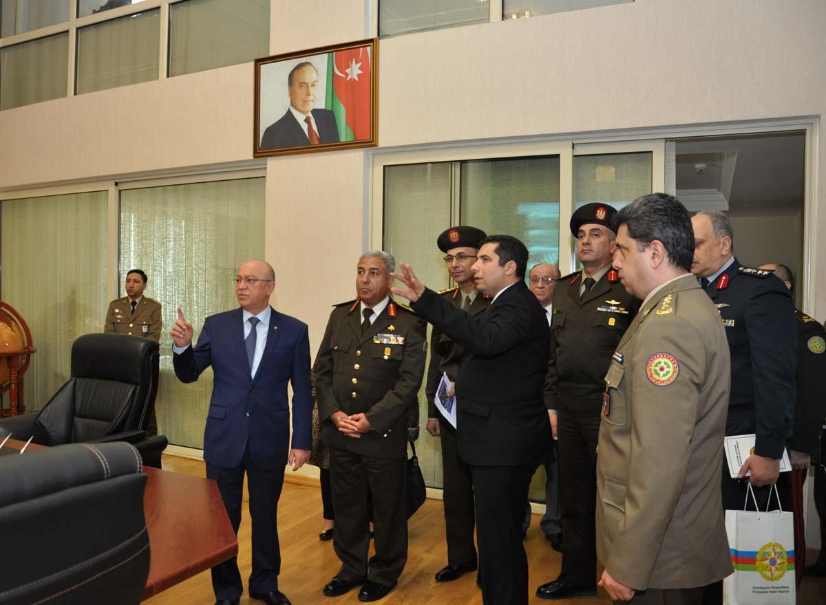 Kəmaləddin Heydərov Misir Sərhəd Qoşunlarının komandanı ilə görüşüb (FOTO) - Gallery Image