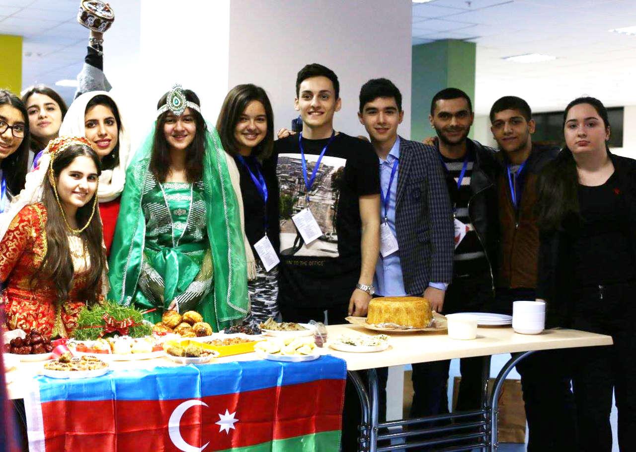 Молодежь мира считает Азербайджан примером мультикультурализма (ФОТО)