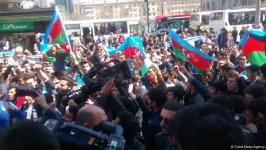 Başkent Bakü Azerbaycan orusunun zaferini böyle kutladı (Fotoğraf) - Gallery Thumbnail