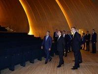Председатель правительства России посетил Центр Гейдара Алиева (ФОТО) - Gallery Thumbnail