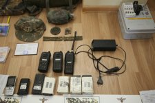 Azerbaycan Ermenistan askeri personaline ait çok sayıda evrak ve iletişim aracı ele geçirdi (Fotoğraf) - Gallery Thumbnail
