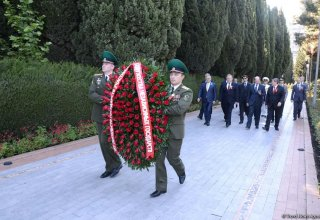 Heads of CIS countries' diplomatic missions lay wreath at memorial of military glory in Baku