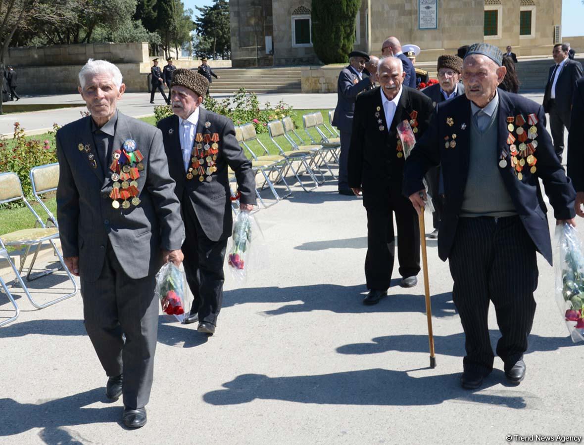 Общественность Азербайджана  отмечает День Победы (ФОТО) - Gallery Image