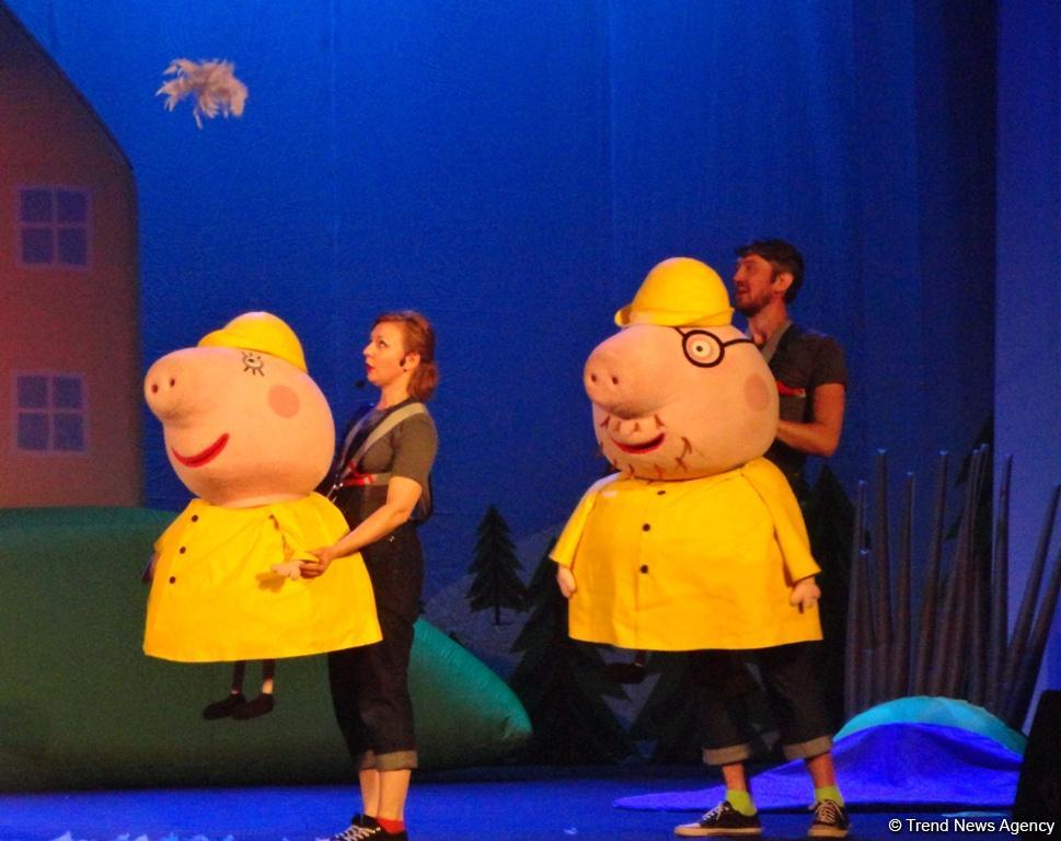 Впервые в Баку: Свинка Пеппа показала яркое, динамичное и жизнерадостное представление (ФОТО) - Gallery Image