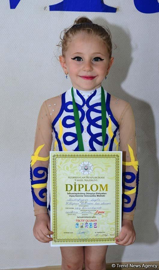 Bakıda akrobatika üzrə açıq birinciliyin qalibləri mükfatlandırılıb (FOTO) - Gallery Image