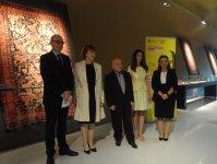 В Азербайджане проходит конкурс дизайна ковров, посвященных  Шекспиру (ФОТО) - Gallery Thumbnail