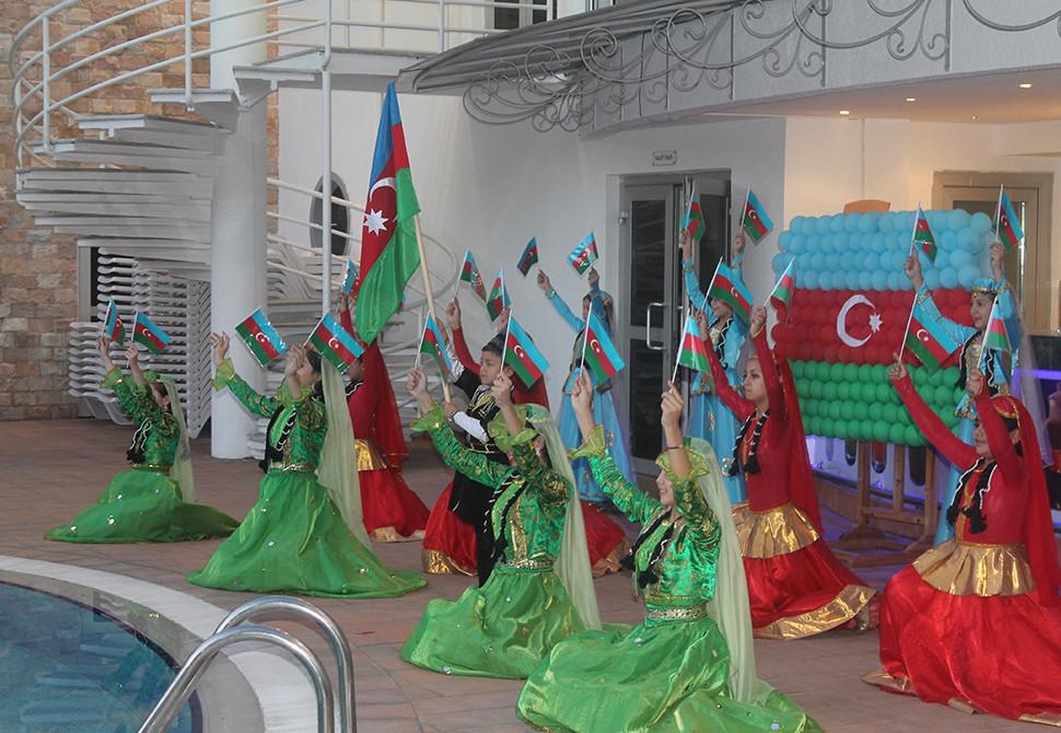 Посольство Азербайджана в Узбекистане устроило прием в честь Дня Республики  (ФОТО) - Gallery Image