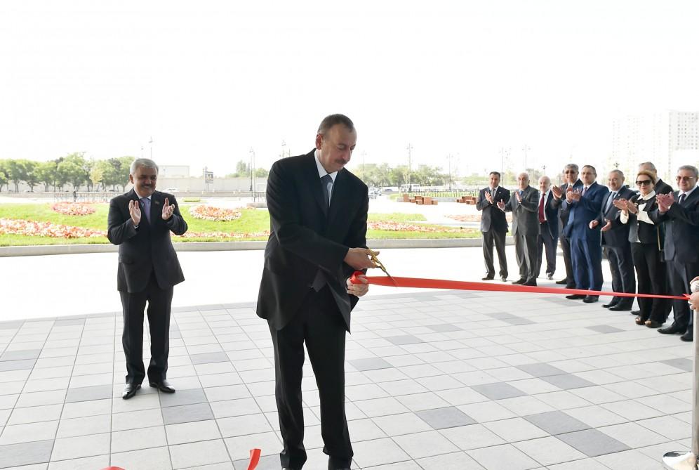 Cumhurbaşkanı Aliyev SOCAR'ın yeni binasının açılışına katıldı - Gallery Image