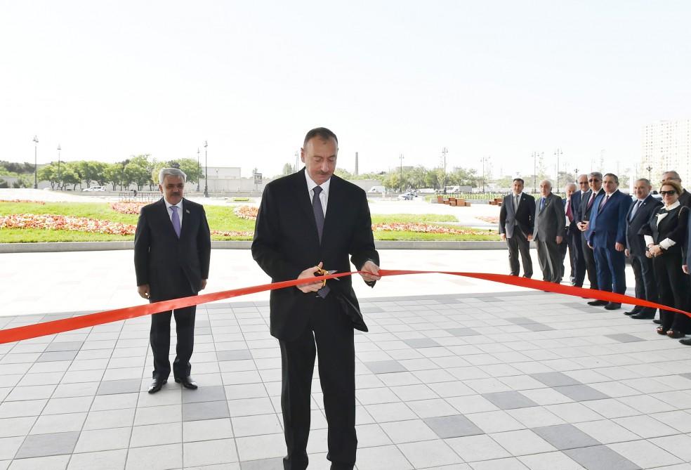 Cumhurbaşkanı Aliyev SOCAR'ın yeni binasının açılışına katıldı