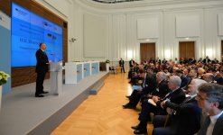 President Ilham Aliyev at Azerbaijan-Germany business forum in Berlin - Gallery Thumbnail