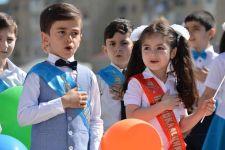 """Təhsil naziri """"Son zəng"""" tədbirinə qatılıb (FOTO) - Gallery Thumbnail"""