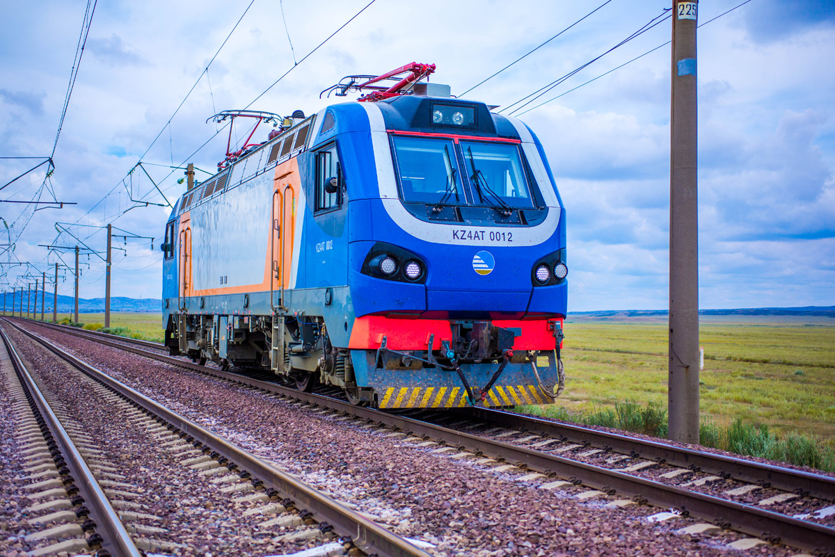 GE Transportation acquires 50% stake in Kazakh locomotive producer