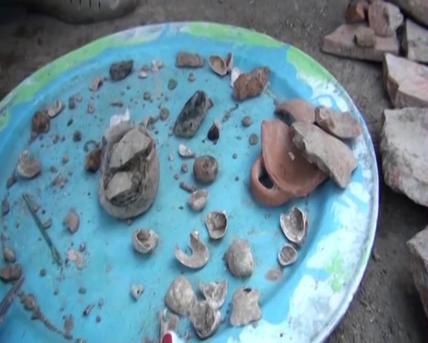 В Джалилабаде обнаружено древнее кувшинное погребение (ФОТО) - Gallery Image