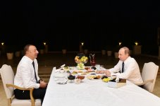 President Aliyev invites Russian President to tea at his house - Gallery Thumbnail
