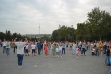 Национальные танцы, лезгинка, хип-хоп и латино - бесплатные уроки в Баку (ФОТО, ВИДЕО) - Gallery Thumbnail