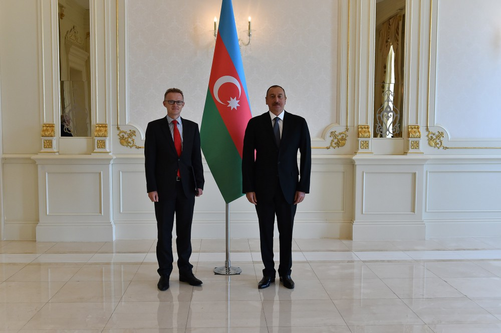 Ilham Aliyev notes importance of continuing Azerbaijan-Germany political dialogue, based on mutual trust (PHOTO) - Gallery Image