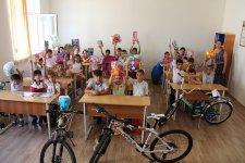 ASAN Məktub порадовал детей из Карабаха (ФОТО) - Gallery Thumbnail