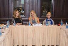 Фэшн-чаепитие азербайджанских дизайнеров (ФОТО) - Gallery Thumbnail