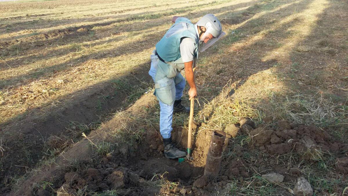 Qrad raketinin partladıcısı və top mərmisi tapıldı (FOTO) - Gallery Image