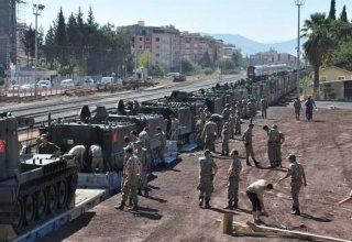 Turkey moving heavy military equipment to Syrian border