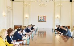 Ilham Aliyev receives delegation of EU-Azerbaijan Committee - Gallery Thumbnail