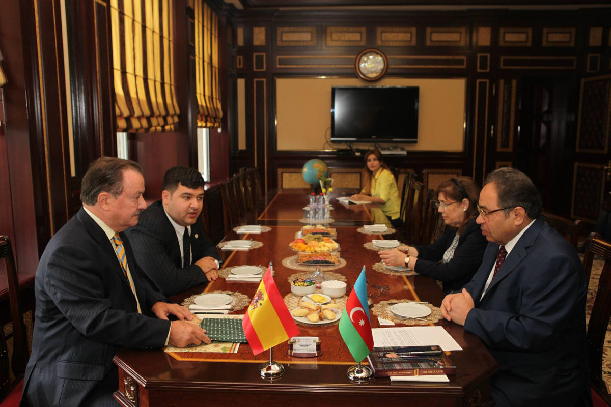 Məşhur ispan jurnalisti BDU-da  (FOTO)
