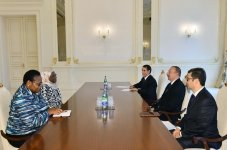 Ilham Aliyev receives African Union commissioner (PHOTO) - Gallery Thumbnail