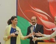 Деятелям культуры и искусства Азербайджана вручены госнаграды (ФОТО) - Gallery Thumbnail