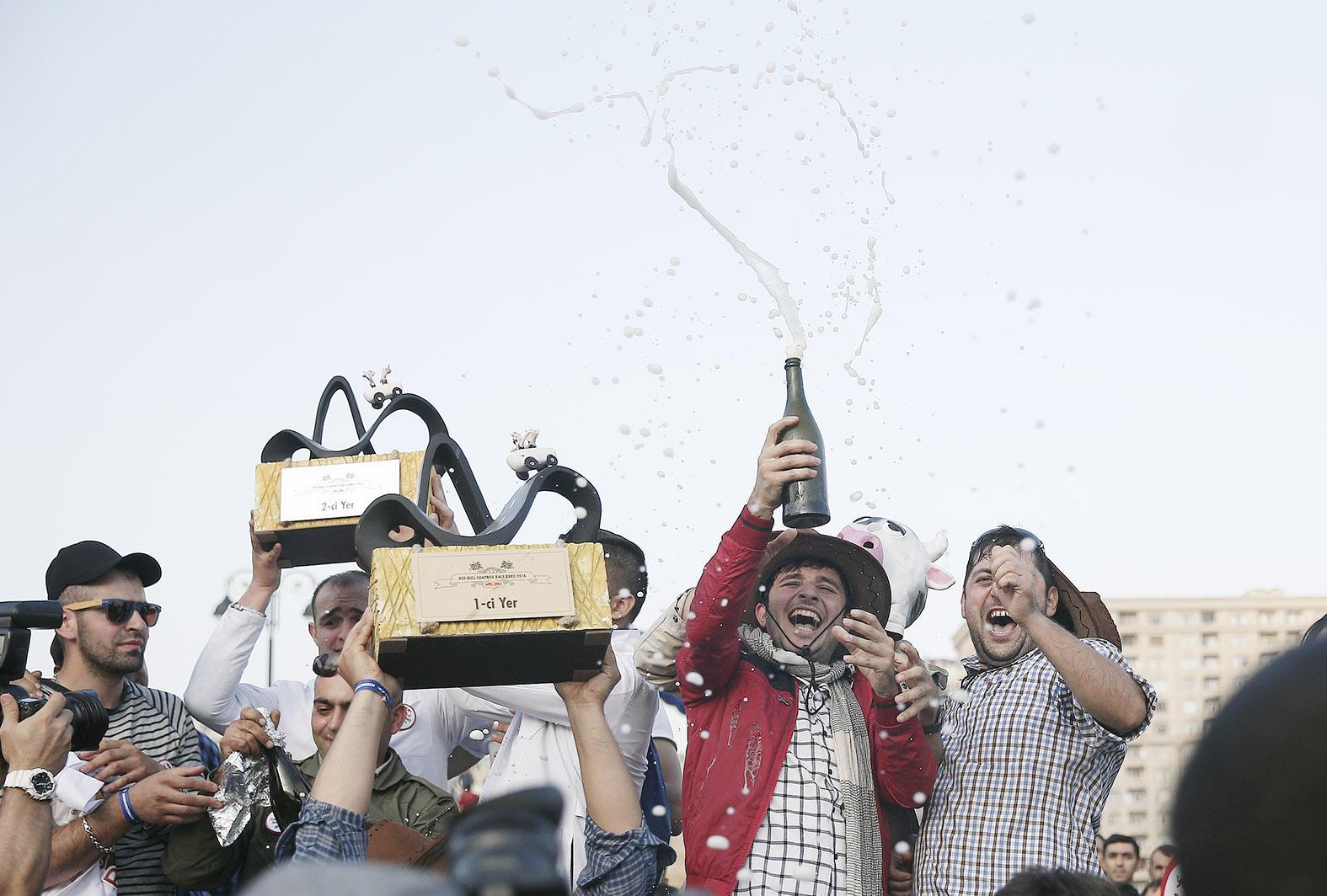 """Bakıda keçirilən """"Red Bull Soapbox"""" yarışının qalibləri müəyyənləşib (FOTO) (YENİLƏNİB) - Gallery Image"""