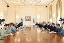 Ilham Aliyev holds talks with Pakistani PM in expanded format - Gallery Thumbnail