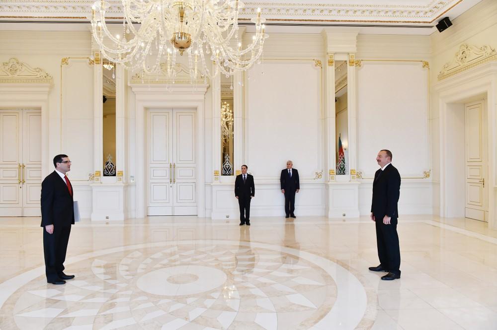 Cumhurbaşkanı Aliyev Türkiye Büyükelçisi'nin güven mektubunu kabul etti - Gallery Image