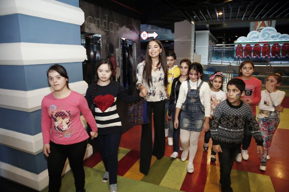 Heydar Aliyev Foundation arranges entertainment program for children (PHOTO)