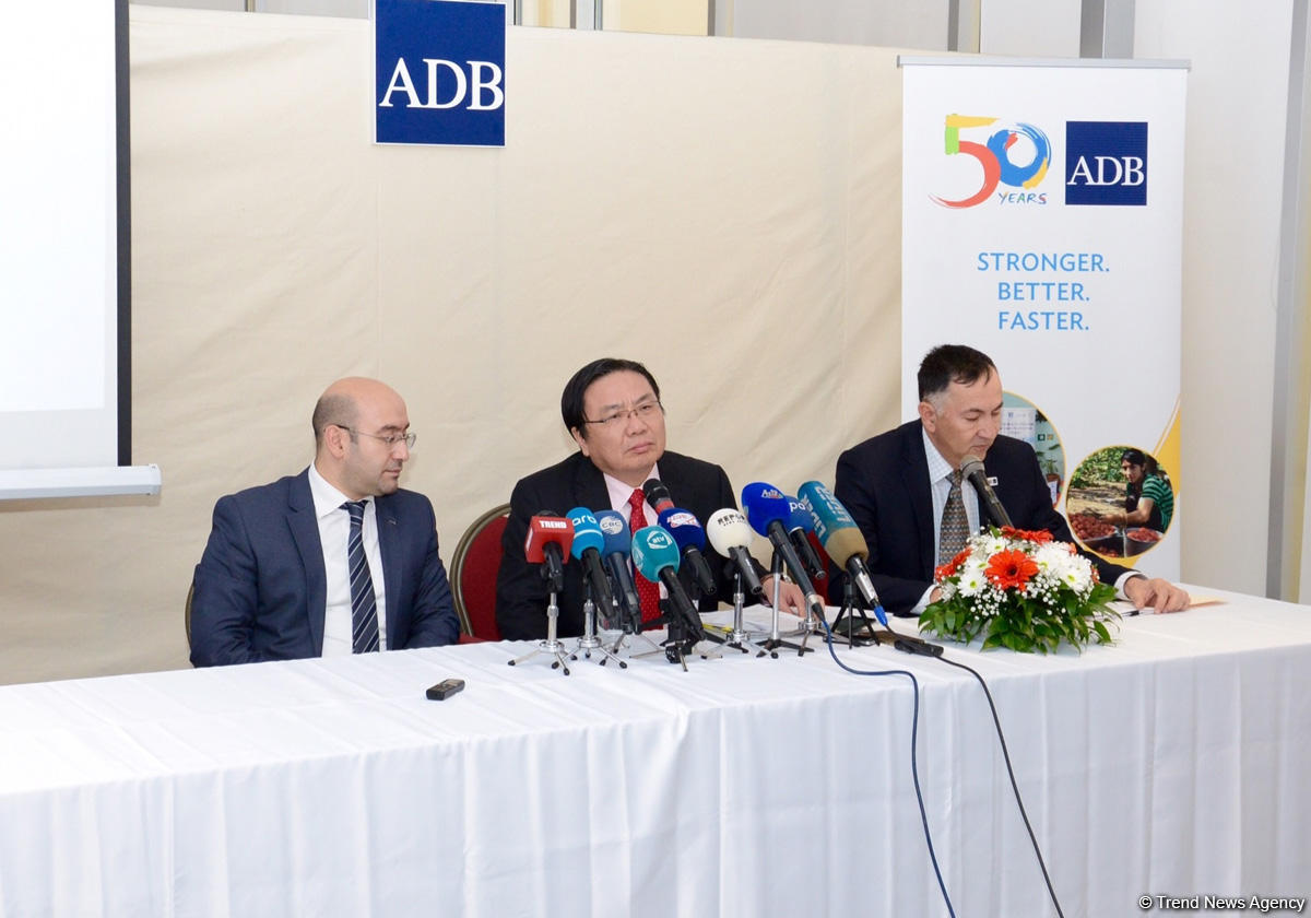 Vitse-prezident: AİB Azərbaycanla əməkdaşlığın yeni potensial sferalarını müəyyənləşdirir (FOTO) - Gallery Image