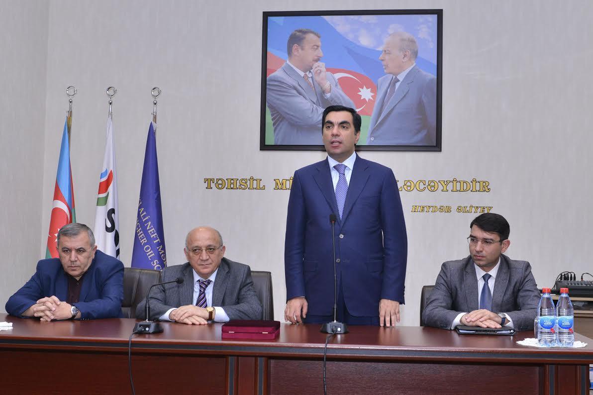 Mubariz Gurbanli visits Baku Higher Oil School