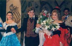 Народные артисты Сафа Мирзагасанов и Евгения Невмержицкая признались в любви к родному театру (ФОТО) - Gallery Thumbnail